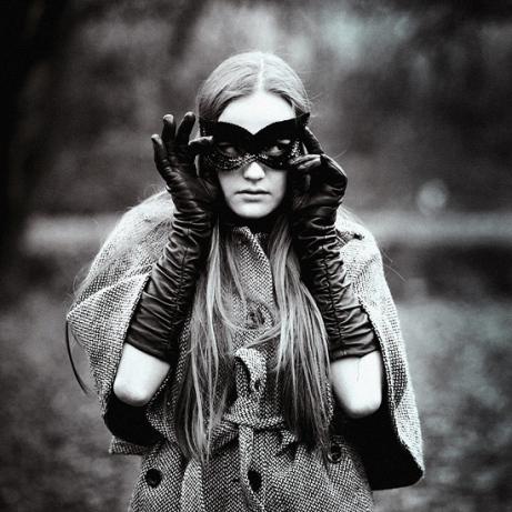 Hide_and_seek_2_by_Katarinka